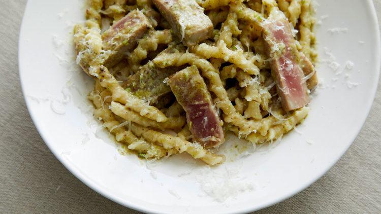 メバチマグロとピスタチオクリームのブジアーテ