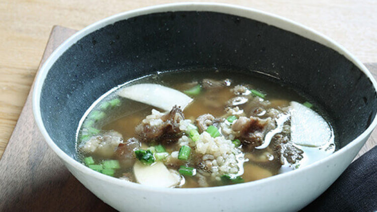 かぶと玄米の牛スジスープ
