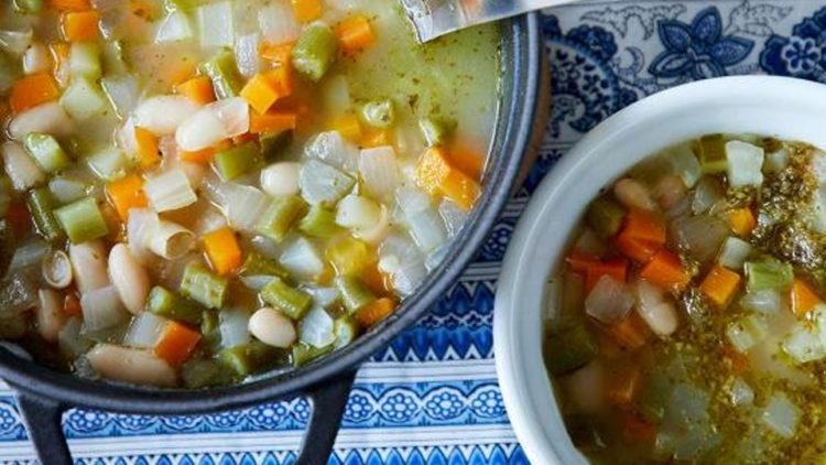 ハーブと野菜たっぷりスープ オ ピストゥ