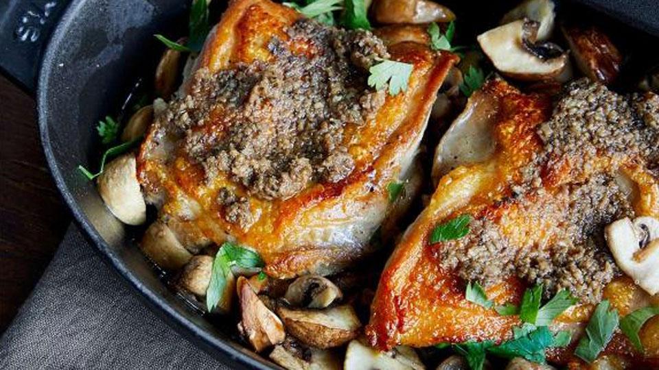 若鶏とマッシュルームの蒸し焼き
