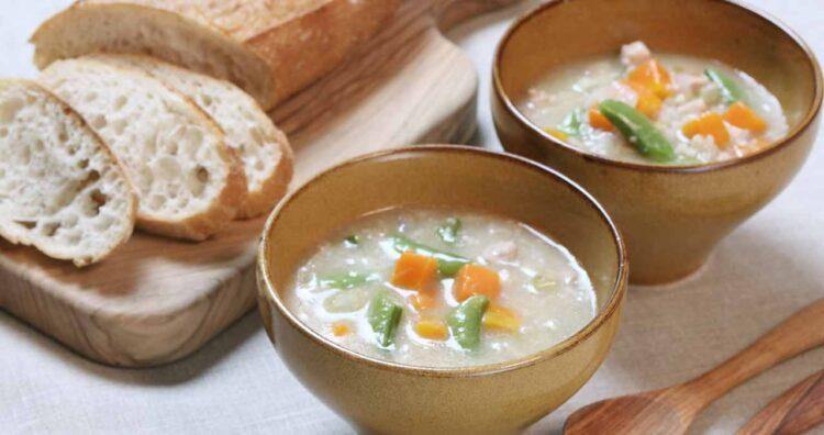 大麦と野菜を煮込むスコッチブロス